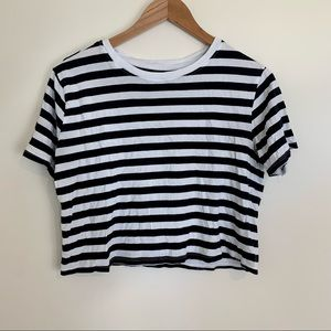 SALE ⚠️ $10 Striped Crop Top